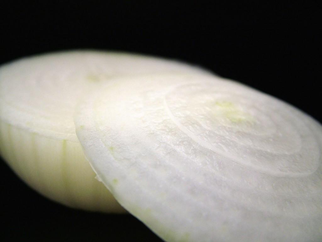 Detalle del corte de una cebolla